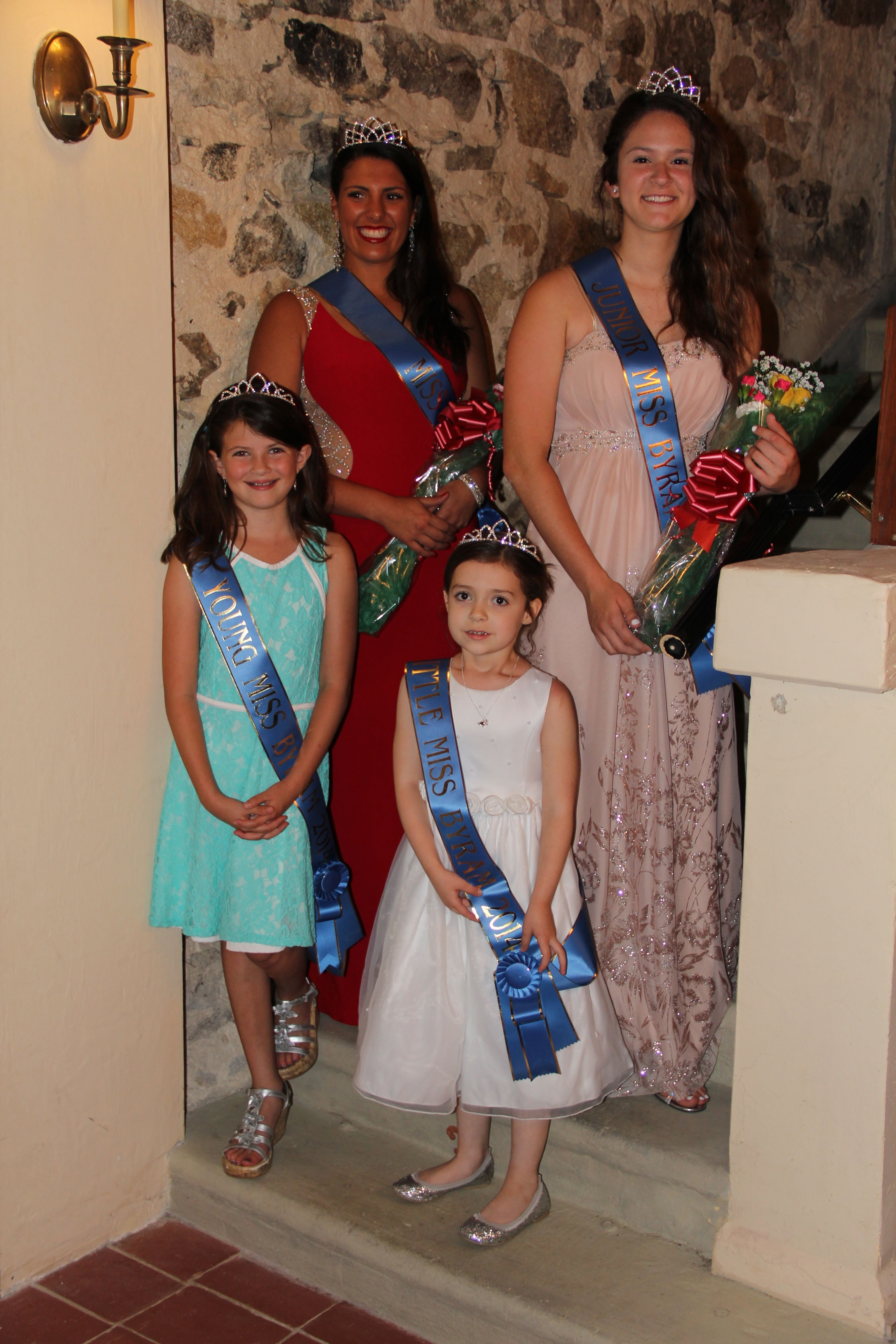 4 winners of Miss Byra, & Royal Court